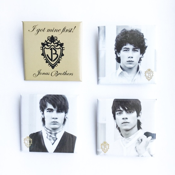 683d514c8e Hot Topic Accessories - Jonas Brothers Pin Set